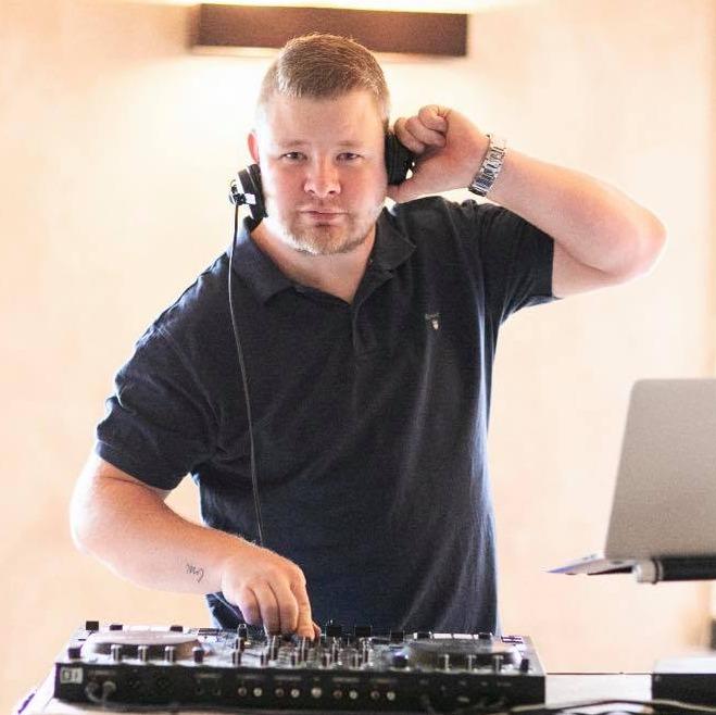 DJ Matouš - dj na svatbu a svatební DJ Matouš