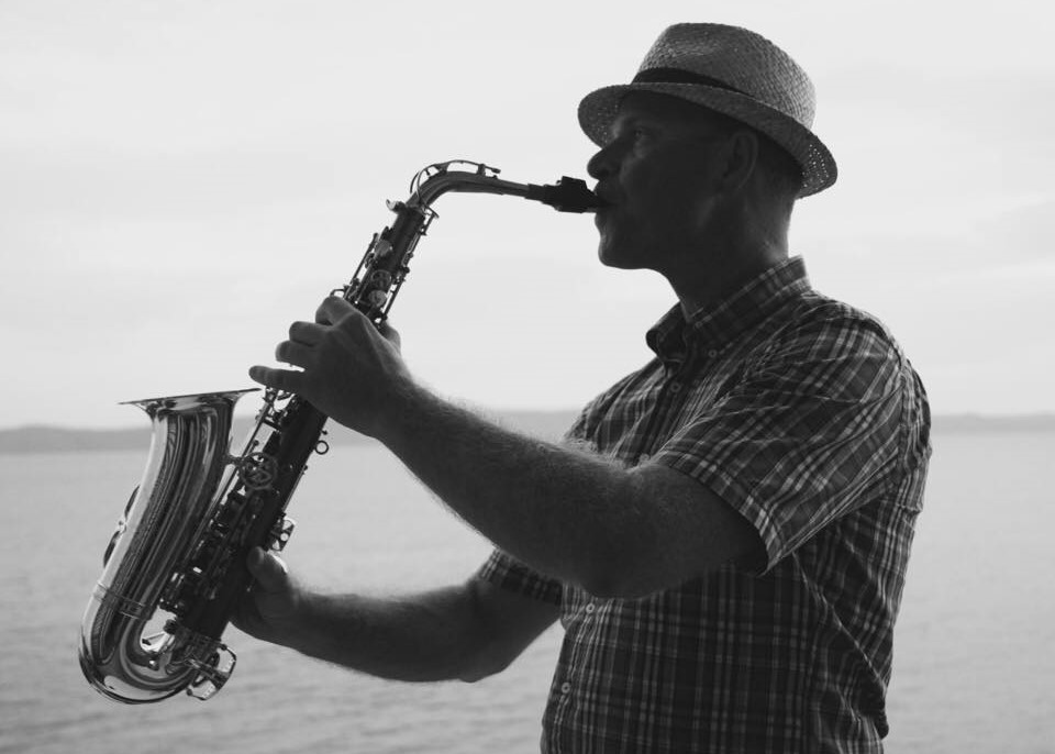 Saxofonista na svatbu