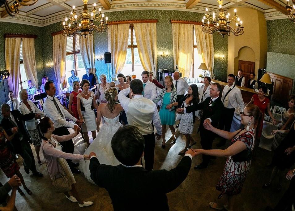 Naučte své hosty tančit