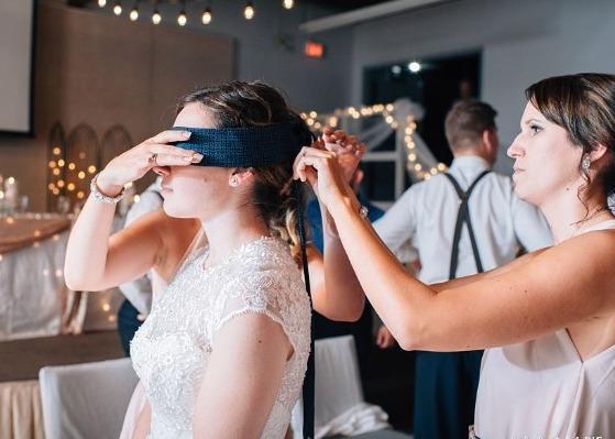 Svatební hra - Poznávání věcí poslepu